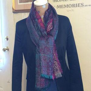 80%20 Accessories - Beautiful scarf/shawl