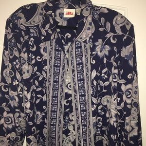 Alia Tops - Navy blue floral blouse