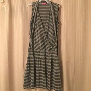 BCBGirls Dresses & Skirts - BCBG BCBGIRLS Dress XS Gray Silver