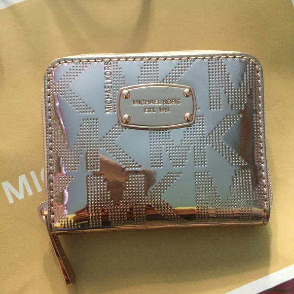 a6f12f794065 Michael Kors Rose Gold Small Metallic Wallet