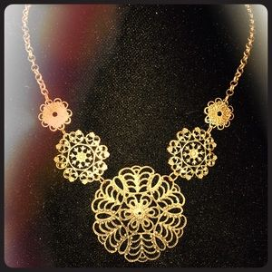 Jewelry - Pre-loved necklace