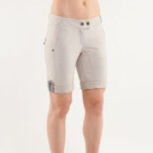 lululemon Ride On Short-Size 6-classic tan/dune