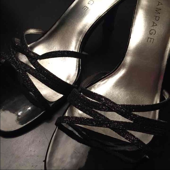 7d4c5c8739e Size 8.5 rampage strappy sparkly low heel