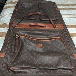 c108a9c475ed Louis Vuitton Bags - Authentic Louis Vuitton garment bag!