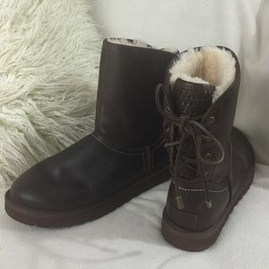 Ugg Brown Distressed Leather Back Lace