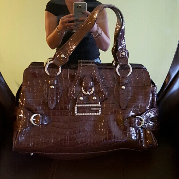 Guess Bags   Large Brown Bag   Poshmark 3b9efa4642