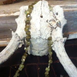 Jewelry - Beautiful Peridot & silver necklace