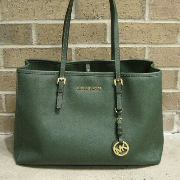 130 Gorgeous Michael Kors Bag. M 56267fbe36d5944174001920 7b55fb9b88
