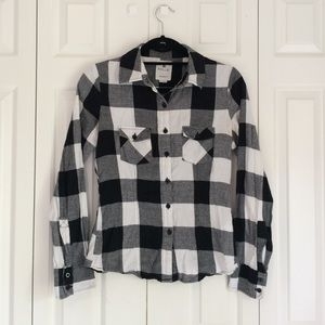 Nollie slim fit, black and white flannel.
