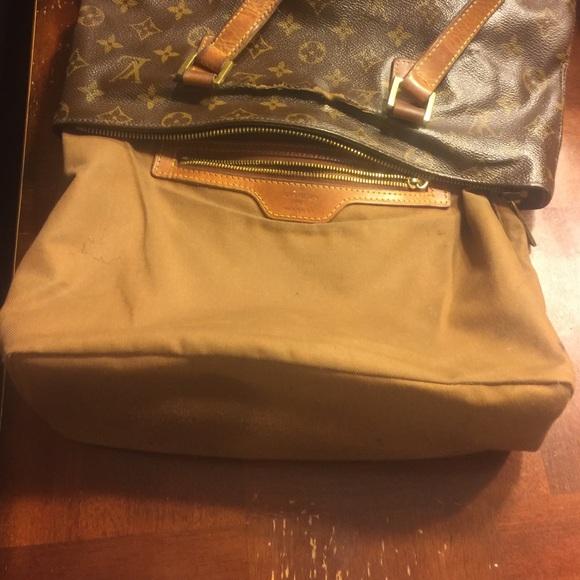 8900e4598815 Louis Vuitton Handbags - Louis Vuitton Cabas Mezzo bag