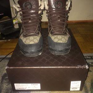 4f821132bc6 Gucci Shoes - Men s Gucci winter boots