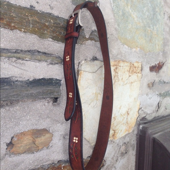 Aeropostale genuine leather floral belt. Sz medium