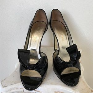 Valentino Shoes - Valentino bow heels