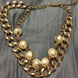 Bauble Bar Pearl and Gold Statement Necklace