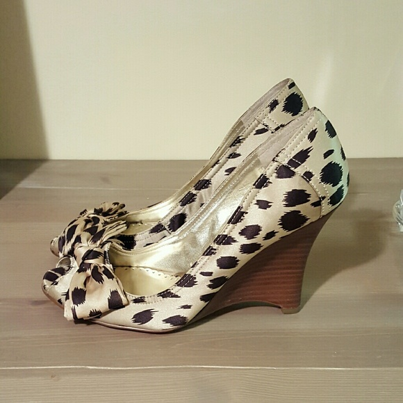 Guess by by Guess Marciano Schuhes   Guess Leopard Peep Toe Wedge   Poshmark 7df808