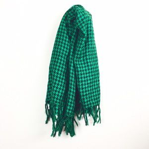 Accessories - Green houndstooth scarf.