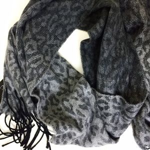 Accessories - NWT leopard ombré scarf.