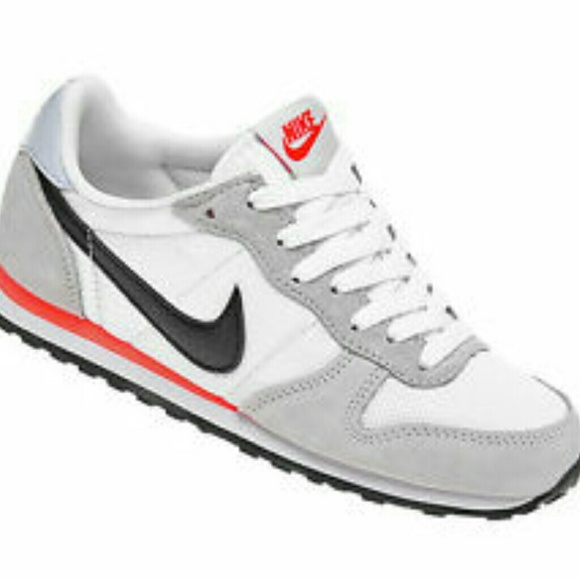 Nike - Nike women's athletic shoes white * grey * pink from A's ...