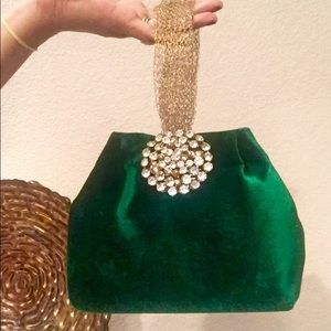 Handbags - Gorgeous, velvet wristlet!