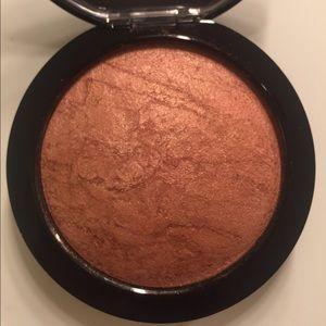 MAC Cosmetics Makeup - MAC Cheeky bronze