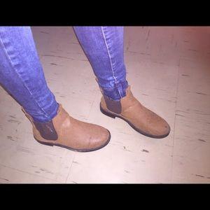 Chestnut/brown booties