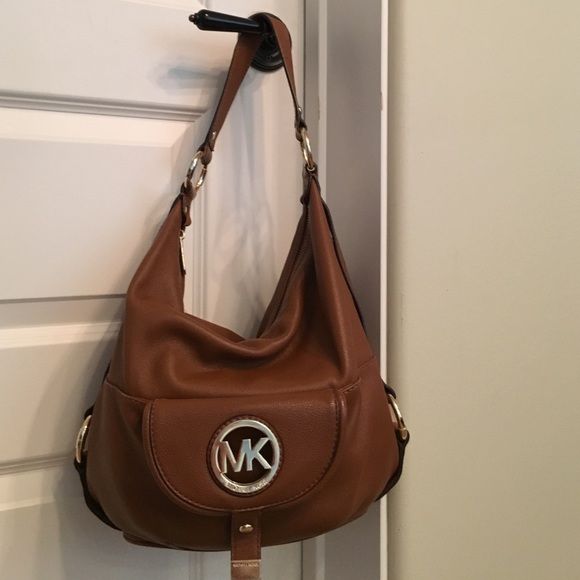 michael kors sales watches michael kors fulton large shoulder bag vanilla