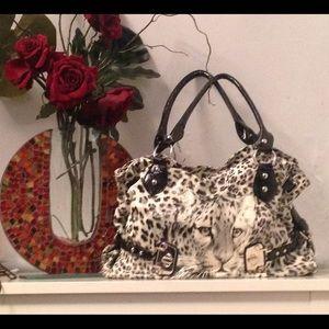 White/Black leather bag