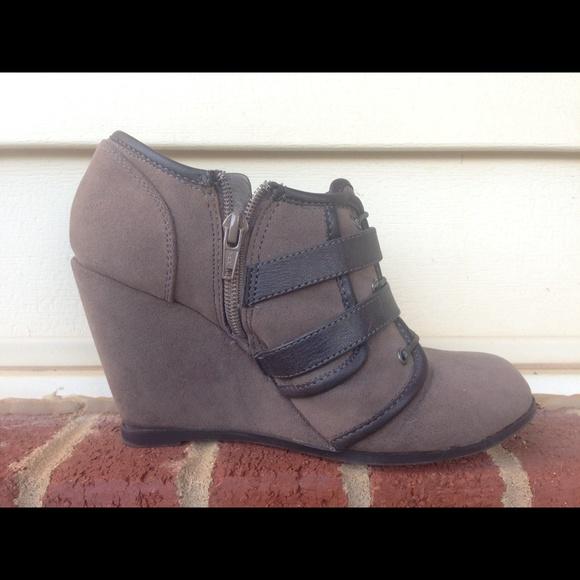 Suede Lace Up Shoes Calvin Klien