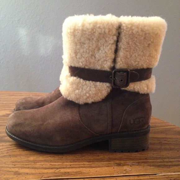 f606ab164e3 UGG Authentic Blayre II Boots