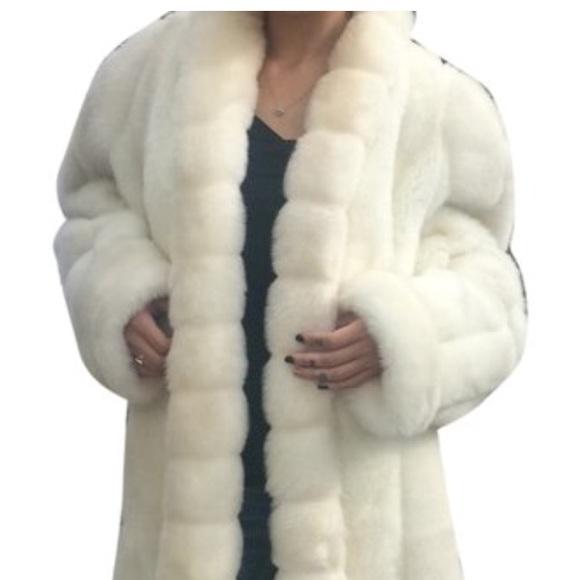 45830836ba131 OLEG CASSINI Snow White faux fur coat
