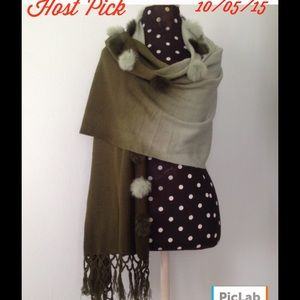 Accessories - 🎉HP🎉Perfectly Lovely Pashmina Wrap🌹