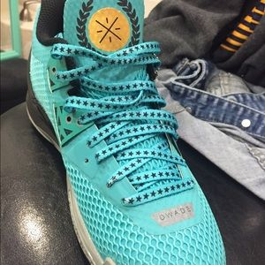 The NEW Dwyane Wade's shoes by Li-Ning for sale