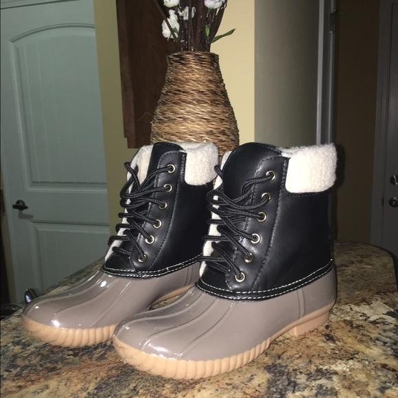 Black And Grey Duck Boots Look Alike