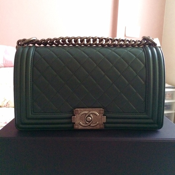Chanel Boy bag - medium dark green 09c6c59cdd1c3