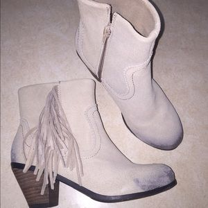 Shoes - Beautiful suede fringe booties