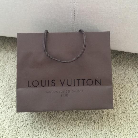 Louis Vuitton Handbags - Louis Vuitton small shopping retail bag 8b9ec717794b1