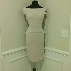 Dresses & Skirts - Tan midi dress with exposed zipper