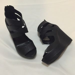 Shoes - Zip back wedges