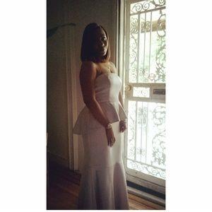 Vera Wang Dresses - Long evening gown