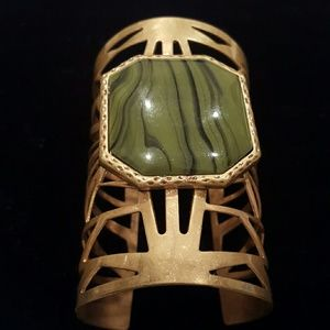 NWOT Antique gold bangle w/ green stone