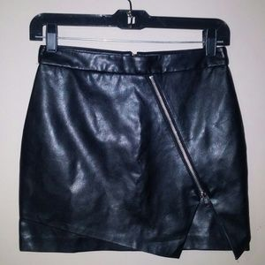 Forever 21 Faux Leather Skirt / Size S