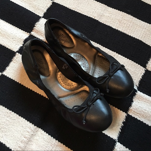 51c8f7a1b78 Dexflex Shoes - Dexflex Comfort Ballet Flats