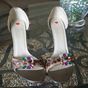 Luichiny Shoes - Sandals Brand New