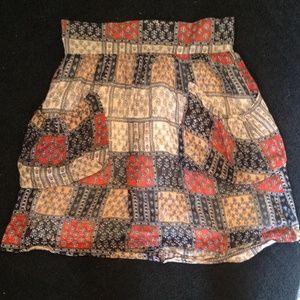 High wasted print skirt.