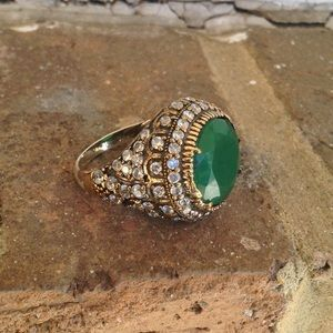 Jewelry - NATURAL EMERALD TOPAZ RING