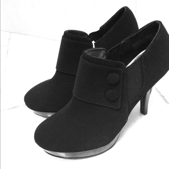 Payless Shoes | Black Heel Booties