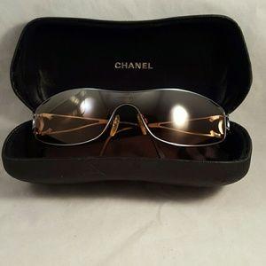 Chanel ladies sunglasses authentic