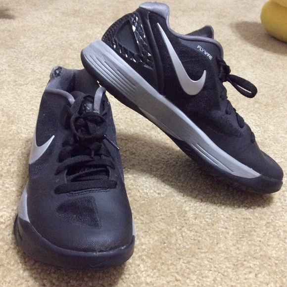 Nike Flywire Spike Volleyball Shoes