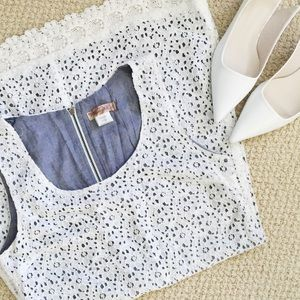 Dresses & Skirts - Eyelet dress