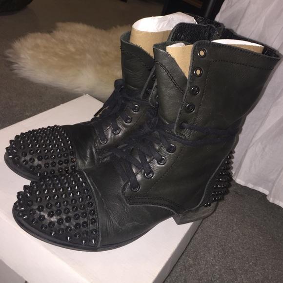 2cc0cff8500 Steve Madden Tarnney Black Studded Combat Boots 9